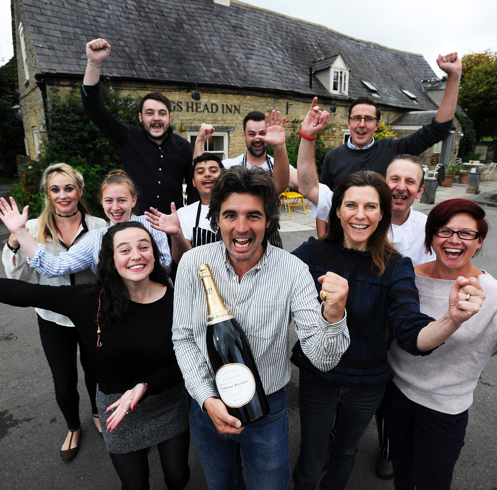 https://thekingsheadinn.net/wp-content/uploads/2017/09/The-Good-Pub-Guide-Winners-For-Best-Pub-2018-The-Kings-Head-Inn-at-Bledington.jpg